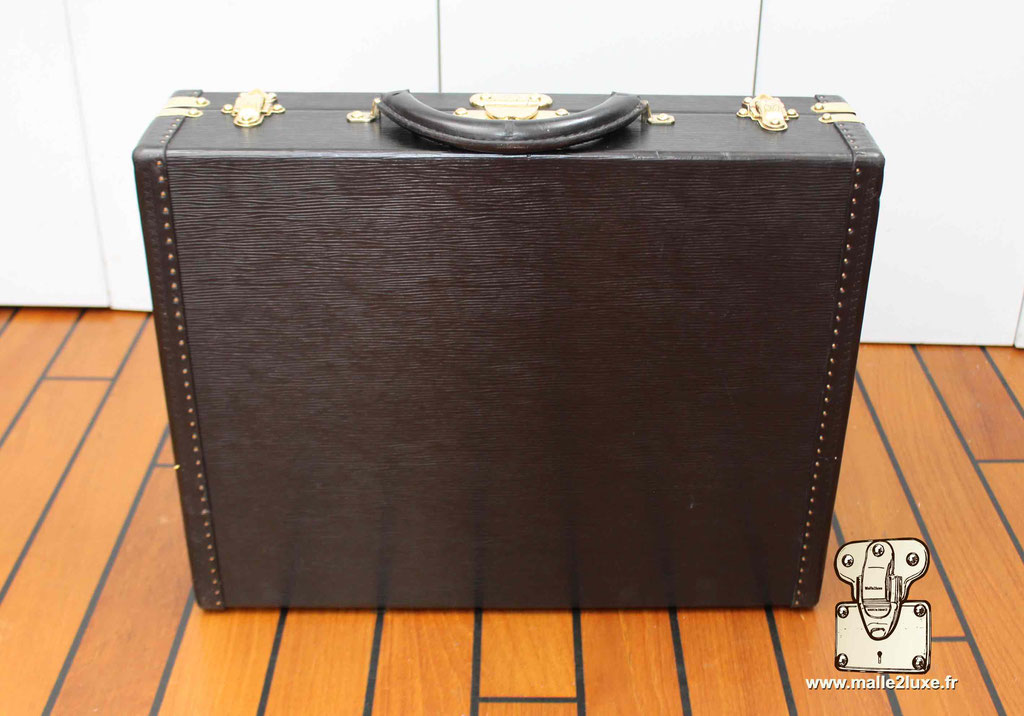 Valise président Louis Vuitton cuir epi noir dessous