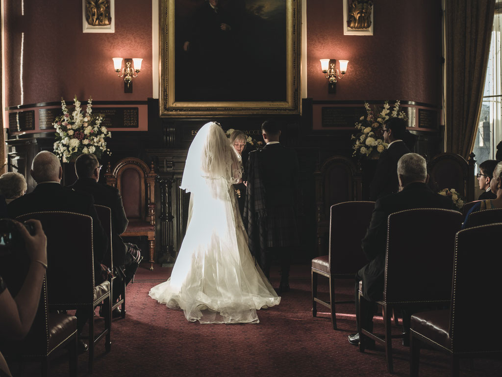 wedding reportage scotland dunfermline city chambers