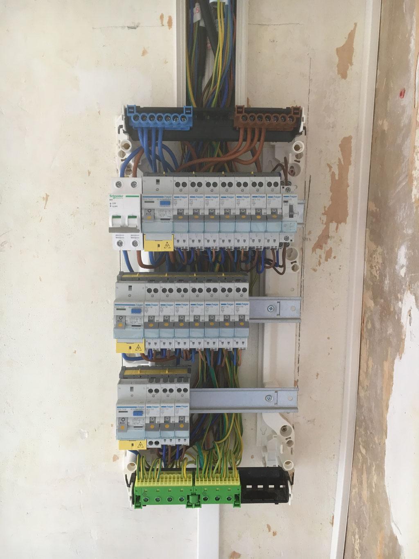Rénovation d'un tableau électrique rue de Lodi 13006