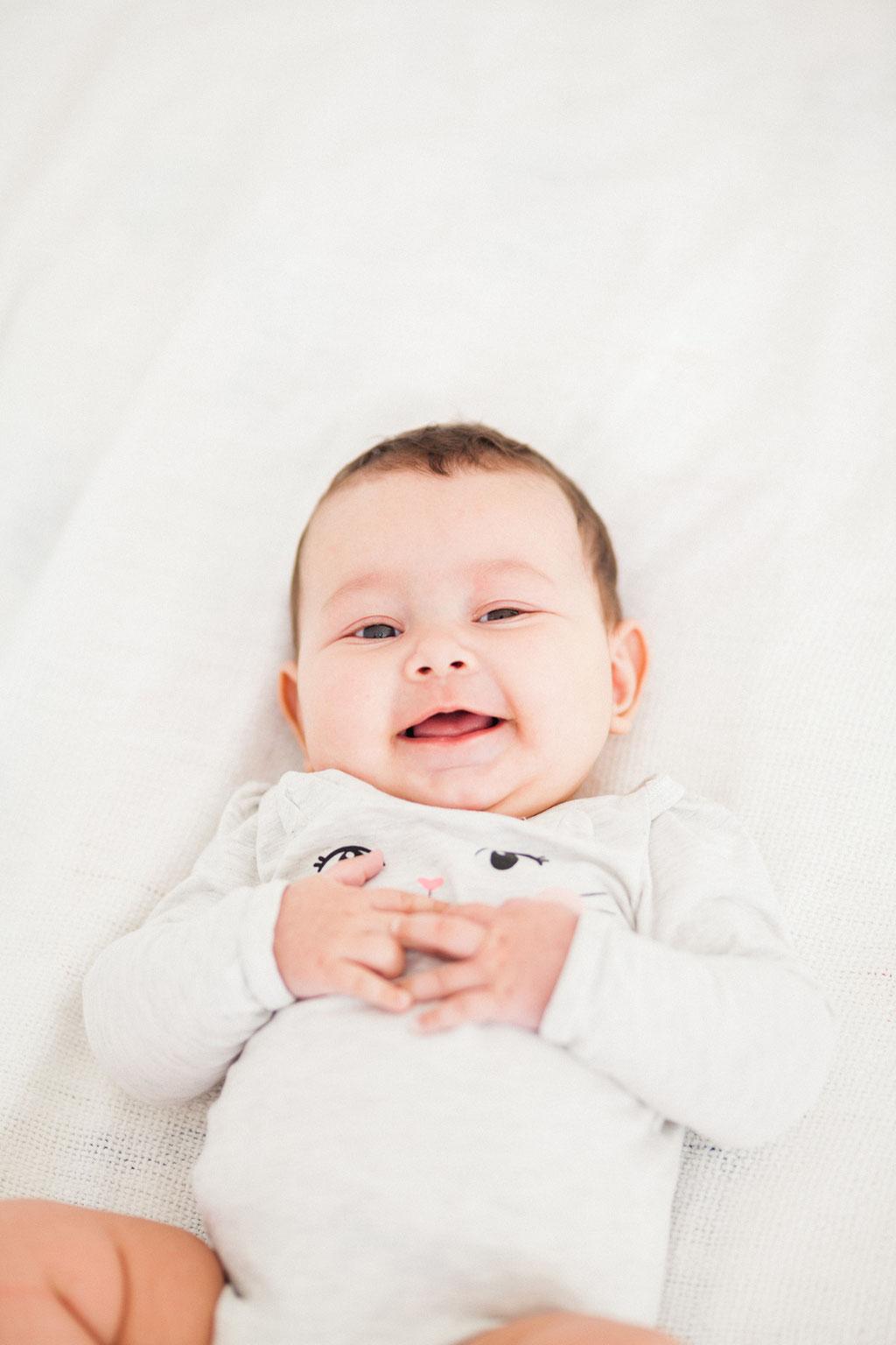 Séance naissance - photographe famille nantes Orlane Boisard