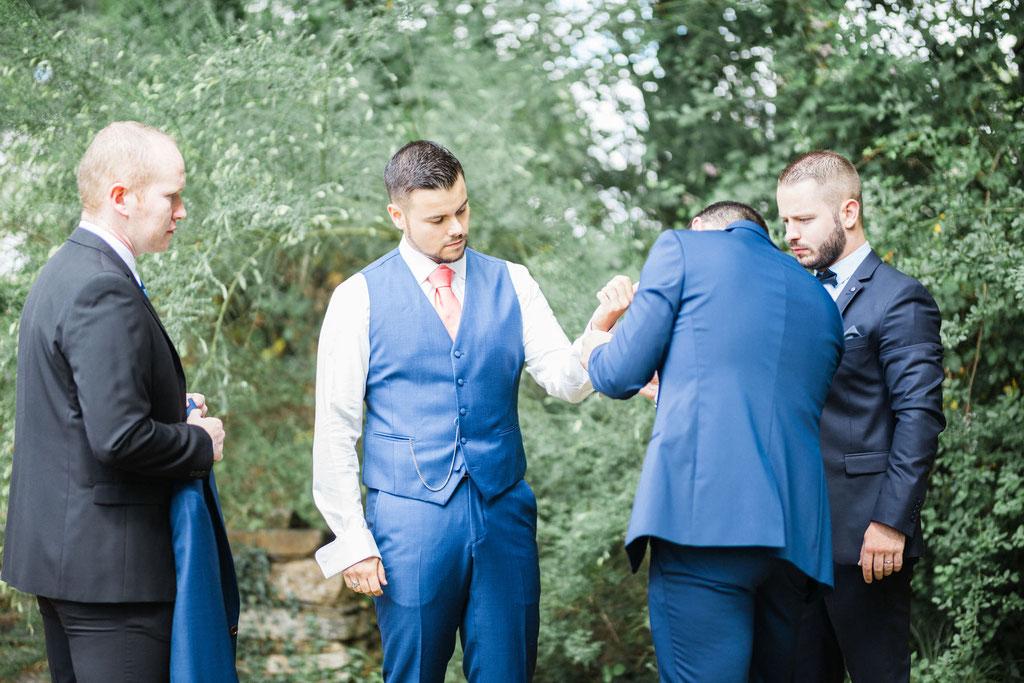 Manoir de la fresynaye mariage Bretagne Orlane Boisard dress up man
