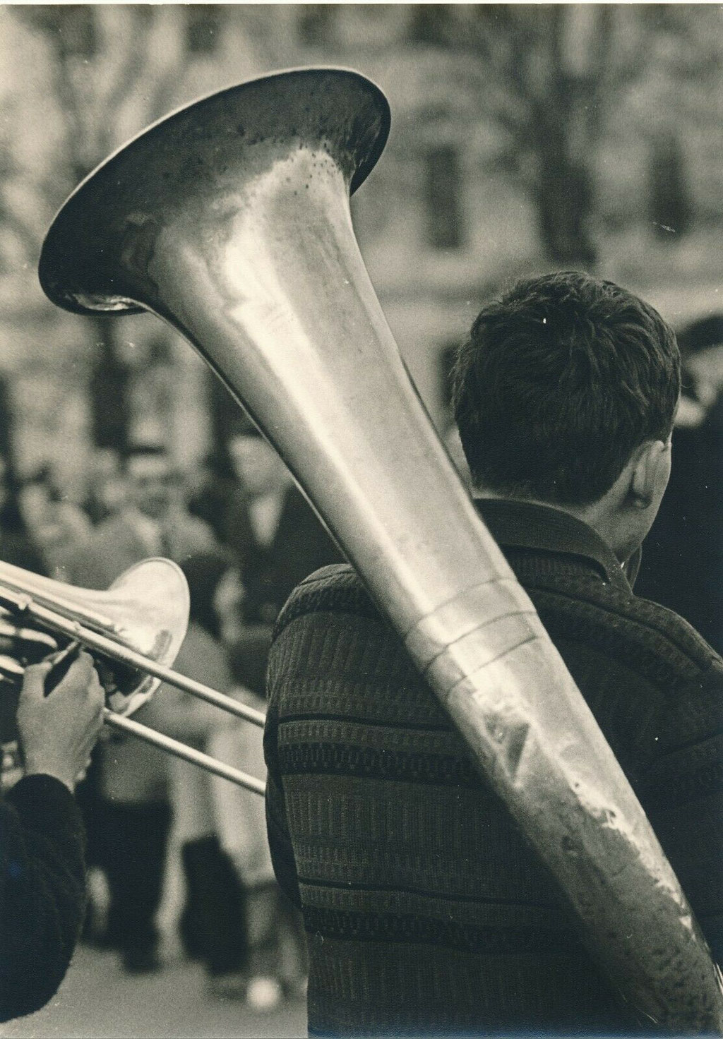photographie : enfant au tuba