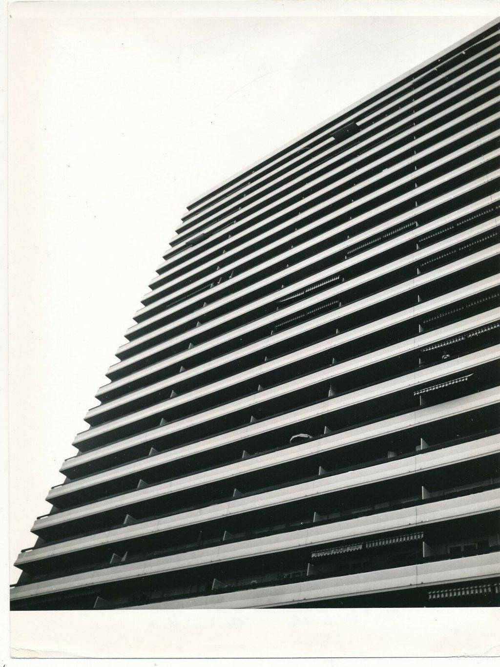 Toulon architecture les immeubles Ibis photographie