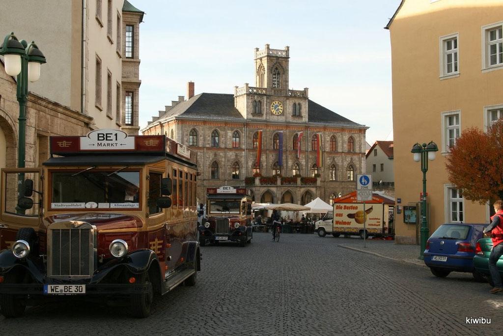 Richtung Marktplatz mit Rathaus