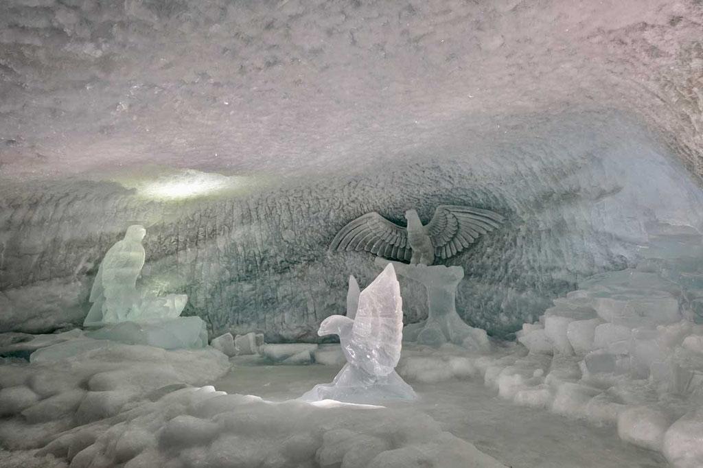 Gletscher-Palast am Kleinen Matterhorn