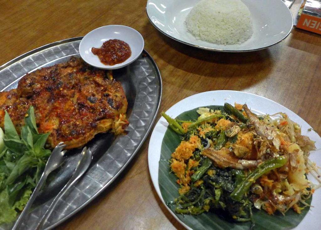 Ayam Bakar Huhn am besten im Inggil Malang