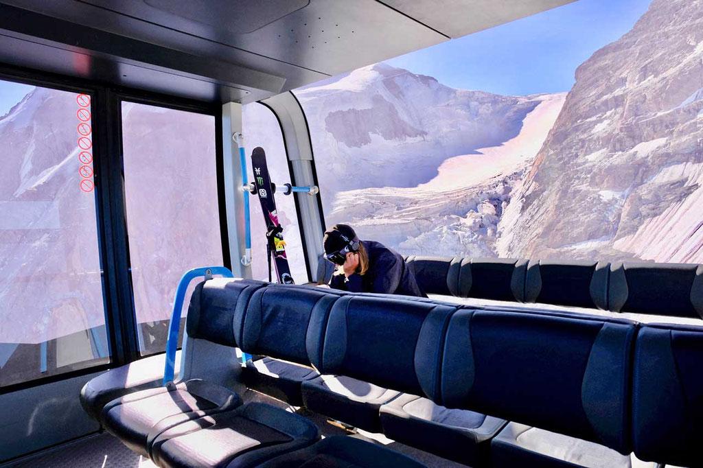 Sommer-Skifahren in der hochmodernen 3S-Bergbahn Glacier Ride
