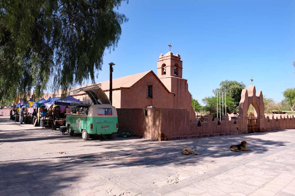 San Pedro de Atacama Plaza und Kirche