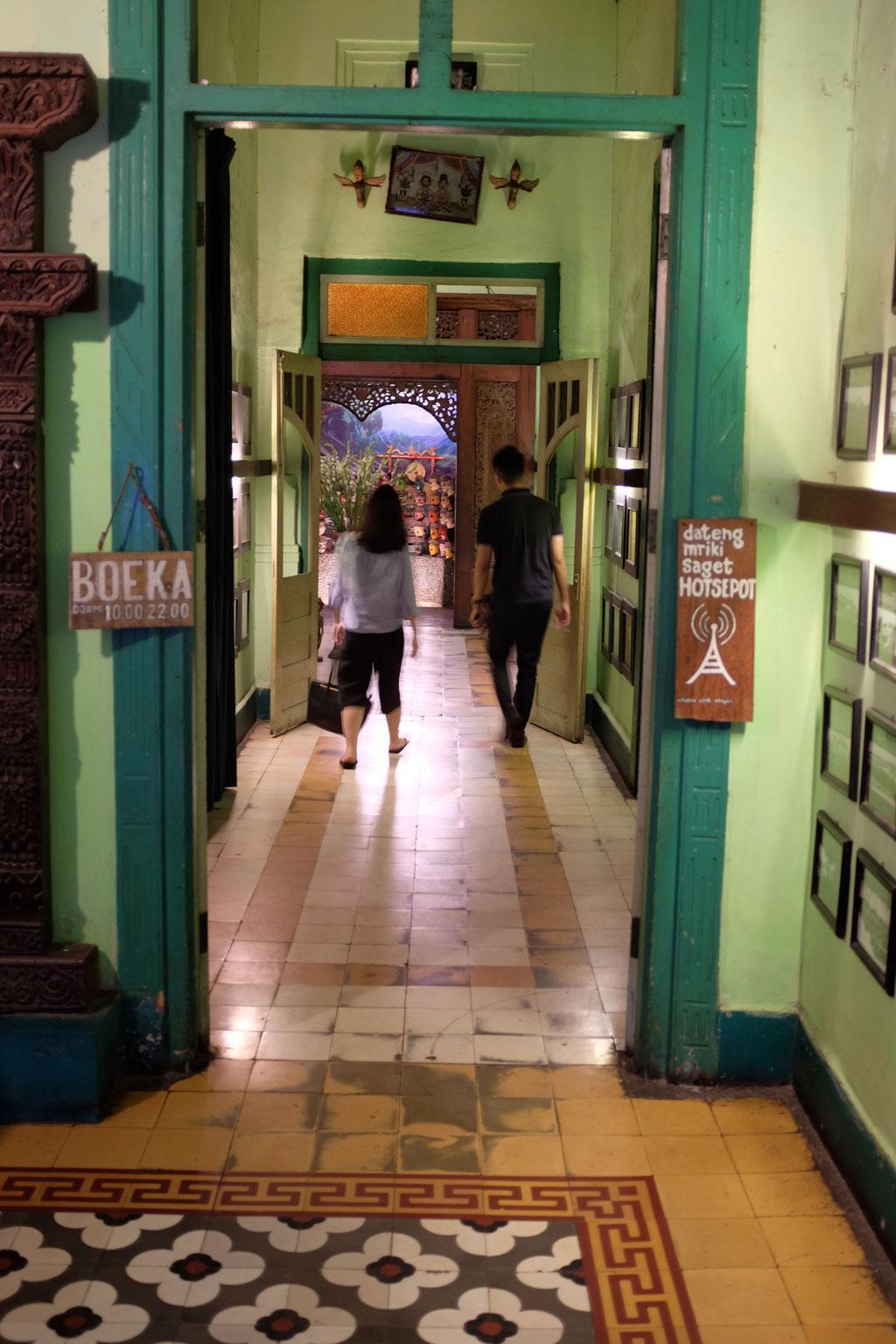 Eine Zeitreise im Inggil Restaurant Malang