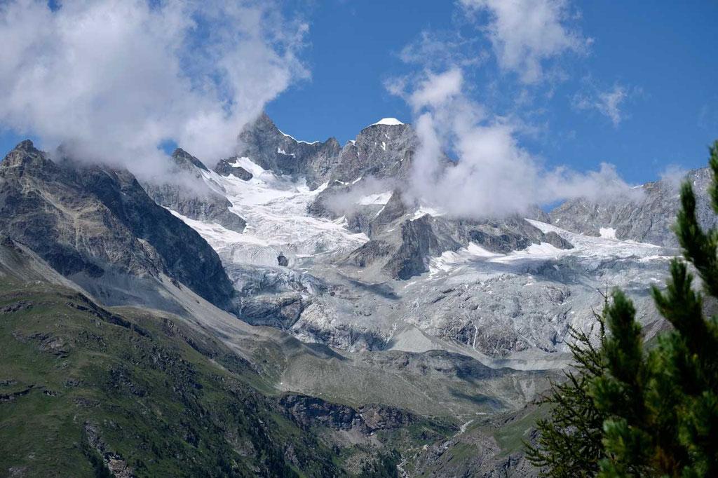 Picknick mit Gletscherblick auf Obergabelhorn