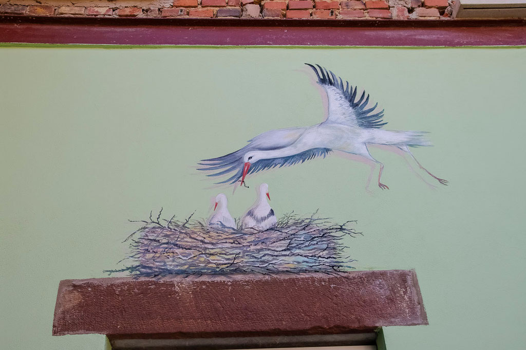 Fresque murale - Nid de cigognes - Copyright Pascale Richert