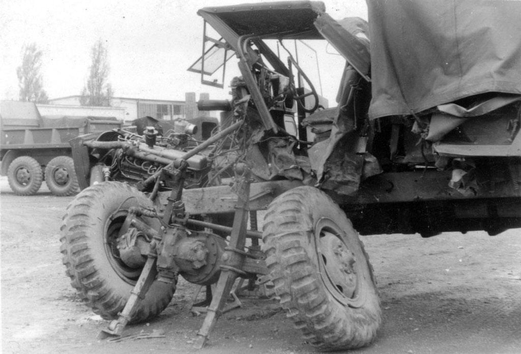 3. Womöglich Unfall-Truck, in den Elvis verwickelt war. Wer kennt die Story und den Wahrheitsgehalt? Sammlung Rolf Herz, Digitale Sammlung ONLINE-MUSEUM Bad Nauheim