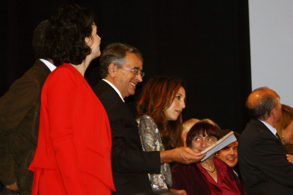 Juliette Binoche, Jean-Jack Queyranne, Elsa Zylberstein et Agnès Varda - Cérémonie d'ouverture du Festival Lumière - Lyon - Oct 2010 - Photo © Anik COUBLE
