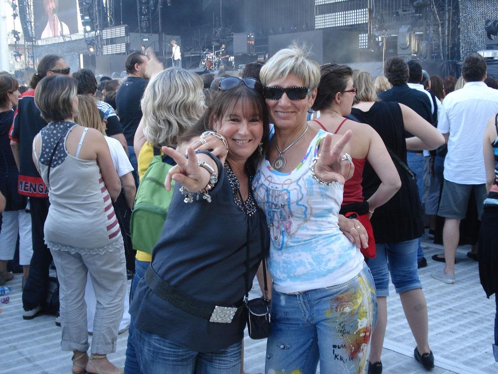 Anik Couble et Pascale Millet - Concert Johnny Hallyday - Lyon - Juin 2012 © Anik COUBLE