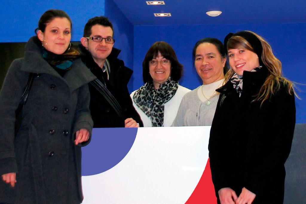 """Liliane Menault, Johan Dampierre, Christiane Favrin, Jacqueline Lo et Mélanie Trinet de l'équipe des """"Atelières"""" -  Villeurbanne - Février 2013 © Anik COUBLE"""