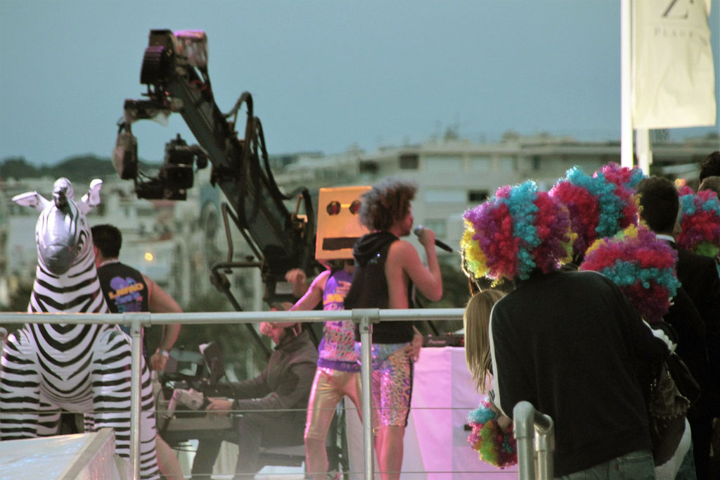 Le live de LMFAO au Grand Journal de Canal + ,  Festival de Cannes 2012 - Photo © Anik COUBLE