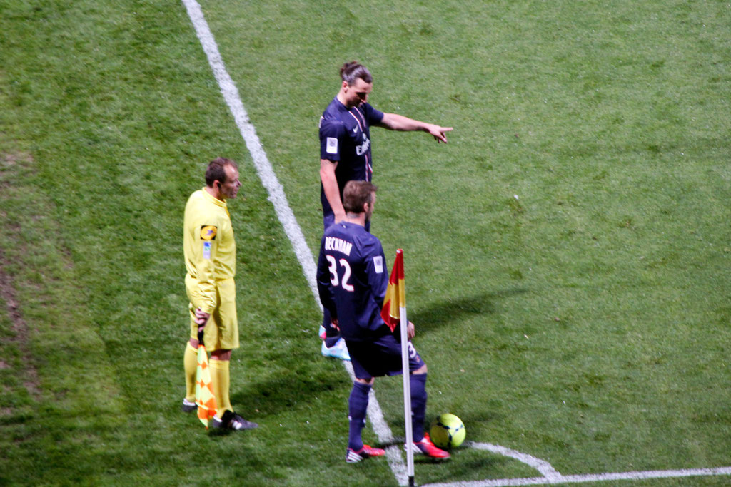 Zlatan Ibrahimovic et David Beckham, lors du match OL - PSG - Lyon - Gerland - Mai 2013  © Anik COUBLE