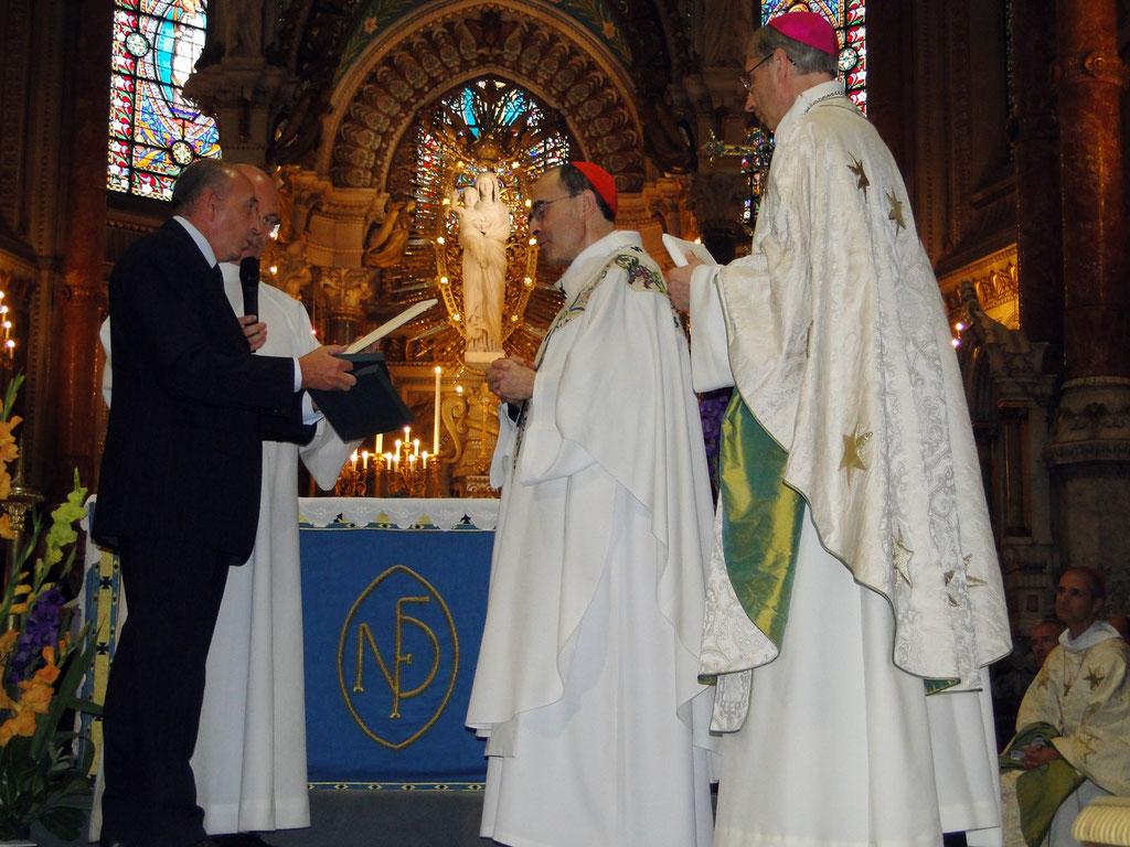 Le Cardinal Philippe Barbarin, archevêque de Lyon et Gérard Collomb, maire de Lyon, lors du renouvellement du vœu des Echevins - Basilique de Fourvière - Lyon - 08 Sept 2013 © Pascale Millet