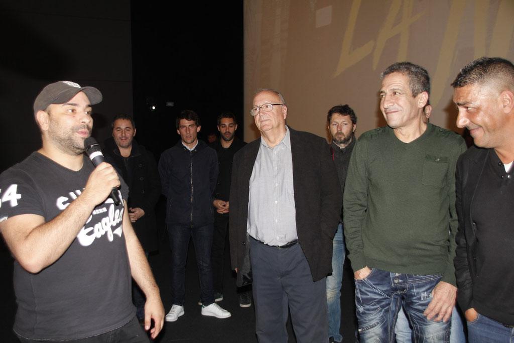"""Nabil Ben Yadir, et les marcheurs, lors de l'avant-Première du film """"La Marche""""  Lyon - 5 Novembre 2013 - Photo © Anik COUBLE"""