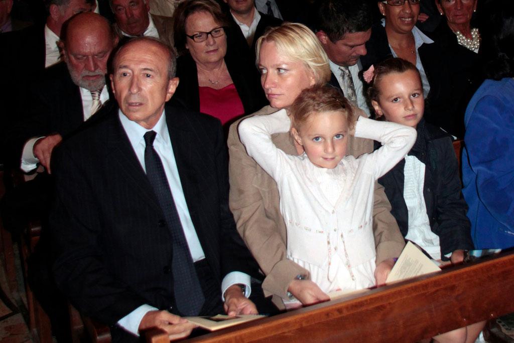 Gérard et Caroline Collomb et leurs filles, Clémence et Camille, lors du renouvellement du vœu des Echevins - Basilique de Fourvière - Lyon - 08 Sept 2013 © Anik COUBLE