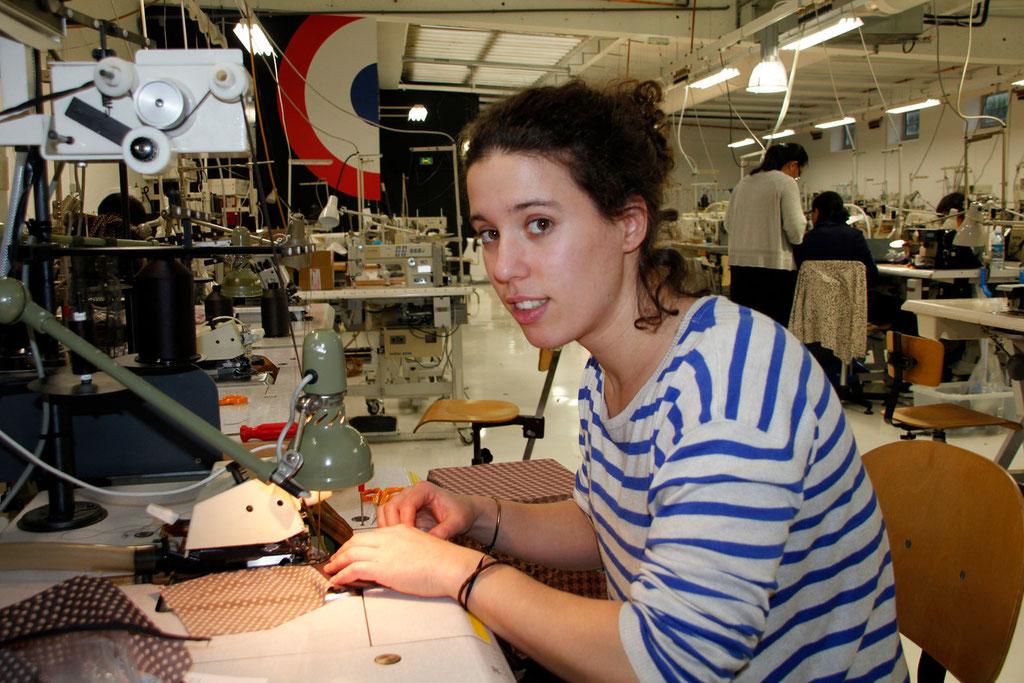 """Elodie Foucher, de l'équipe des """"Atelières, en plein travail - Villeurbanne - Février 2013 © Anik COUBLE"""