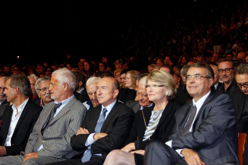 Jean-Jack QUEYRANNE, son épouse Elisabeth, Gérard COLLOMB et Jean-Paul BELMONDO - 2013 © Anik COUBLE