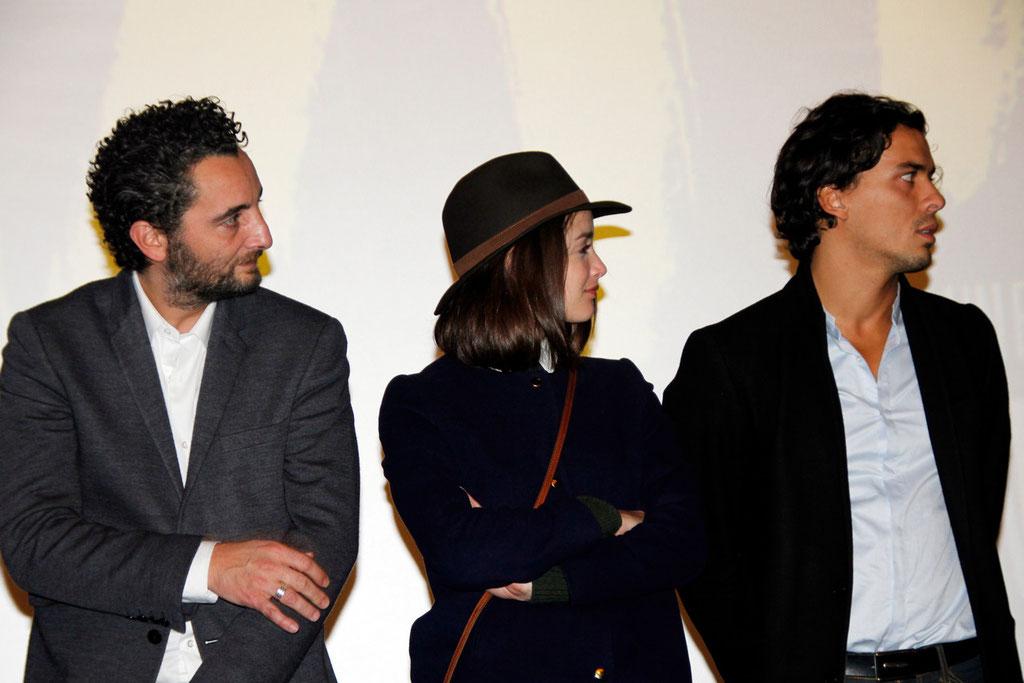 """Nader Boussandel, Charlotte Le Bon et Tewfik Jallab, lors de l'avant-Première du film """"La Marche""""  Lyon - 5 Novembre 2013 - Photo © Anik COUBLE"""