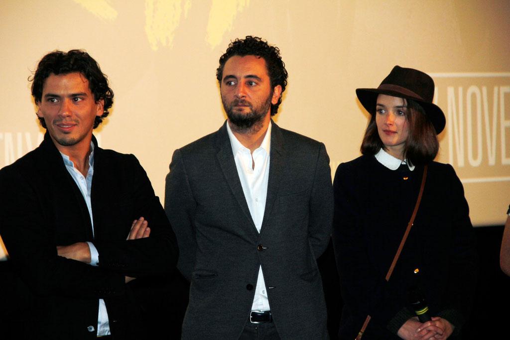 """Tewfik Jallab, Nader Boussandel et Charlotte Le Bon, lors de l'avant-Première du film """"La Marche""""  Lyon - 5 Novembre 2013 - Photo © Anik COUBLE"""