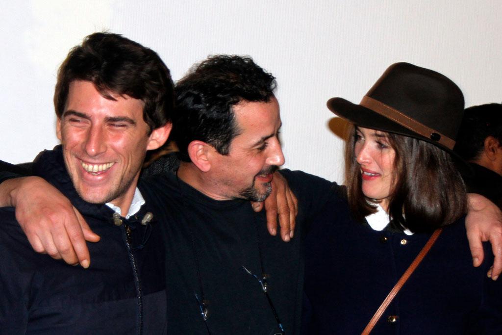 """Charlotte Le Bon à droite et Hugo Selignac à gauche, producteur du film """"La Marche"""" lors de l'avant-Première à Lyon le 5 Novembre 2013 - Photo © Anik COUBLE"""