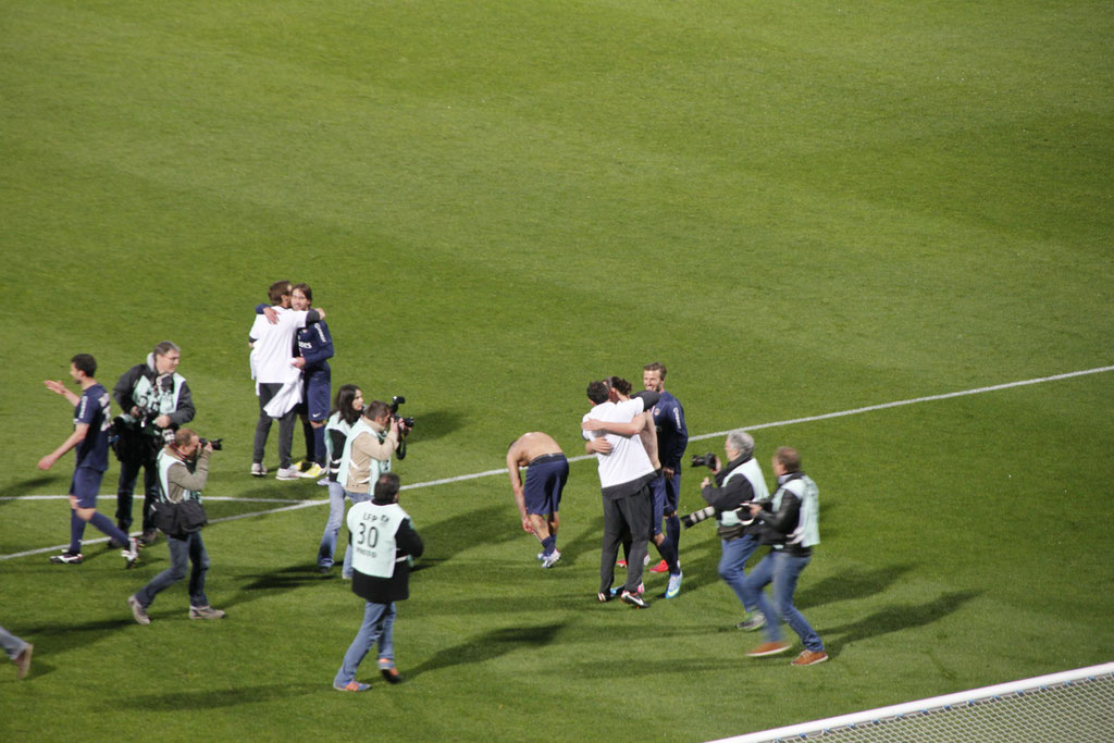 Le PSG laisse éclater sa joie, lors de sa victoire contre l'OL - Lyon - Gerland - Mai 2013  © Anik COUBLE