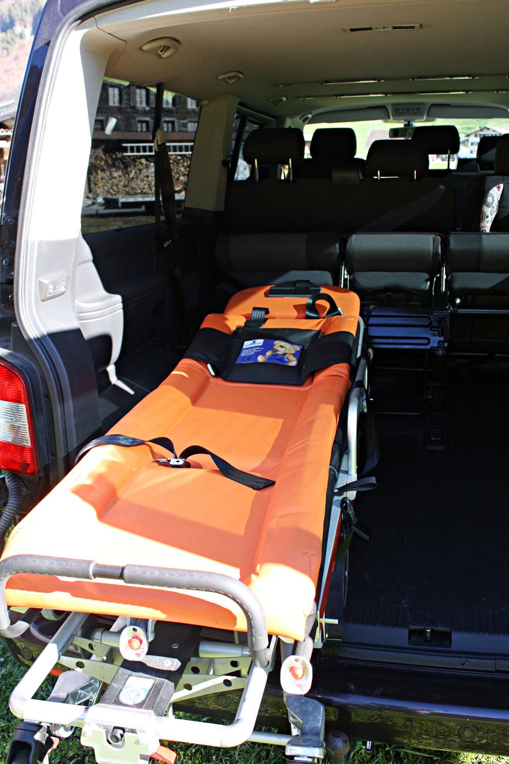 8+1 Sitzplätze, Unfalltransport