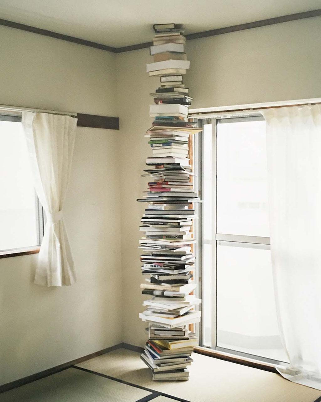 Books / Waterfall・2010-2020・Chromogenic print