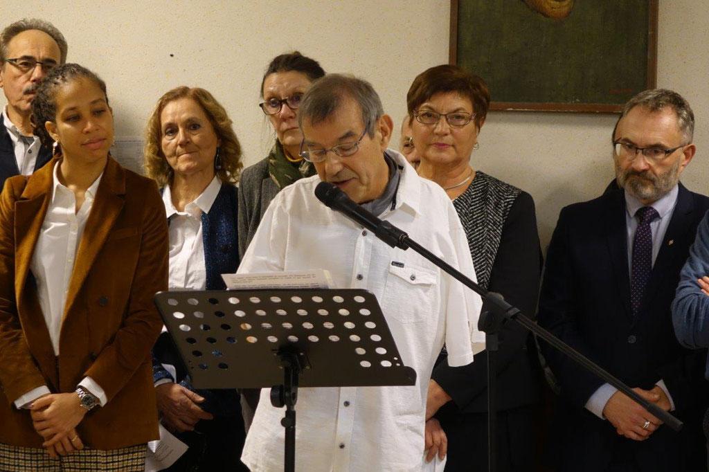 Bruno Lahouati est le maire de la commune nouvelle Vallées-en-Champagne, née le 1er janvier 2016 et regroupant les communes de Baulne-en-Brie, La Chapelle-Monthodon et Saint-Agnan.