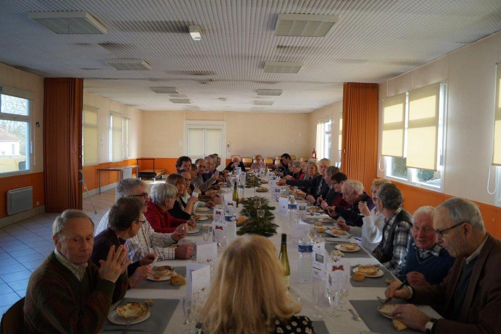 Les aînés du bourg se sont retrouvés dans la salle communale pour le traditionnel repas annuel offert par la mairie condéenne.