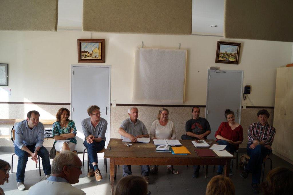 Au centre : Chantal Toubart, présidente de l'association intercommunale Vallée du Surmelin.