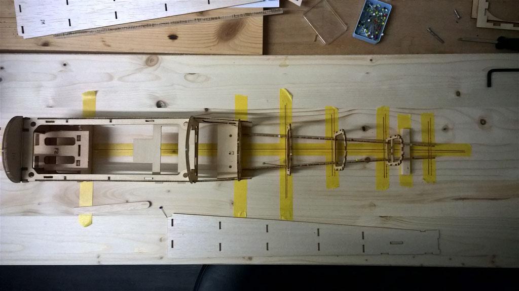 Aufbau des Hecks auf dem Baubrett