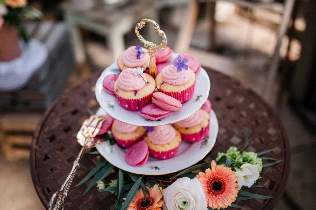 Sweet Candy Table, Backmärchen, Tabea, Pocketfold-Einladung, Hochzeitseinladung, Hochzeitspapeterie, Mirjam Wilde, Lisa Wagner, Pastell, mint, apricot, rosé, Hochzeitsset, Papeterie, individuell, Boho, rustikal, Vintage
