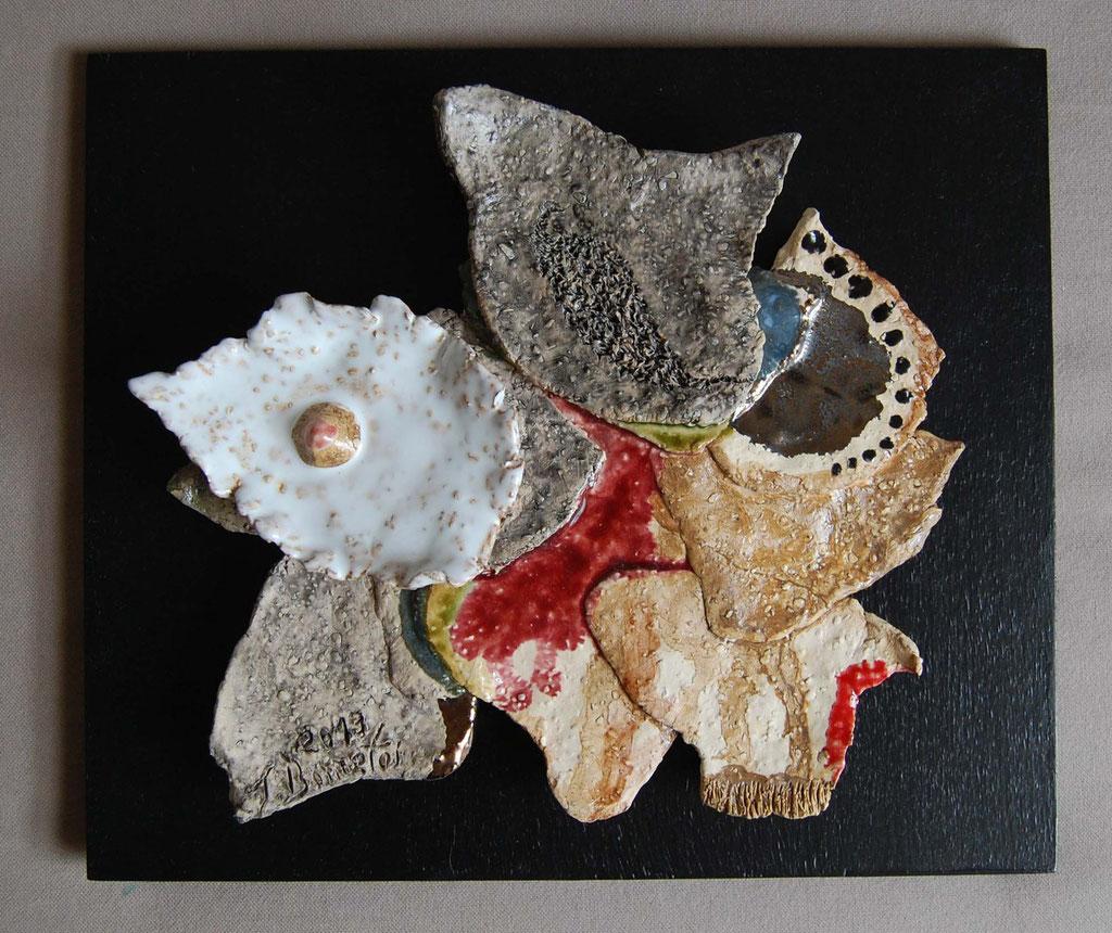 Opus 77 - 2013 - L 23 x H 22 cm (L 28,5 x H 24,5 cm avec cadre) - Faïence - Collection particulière