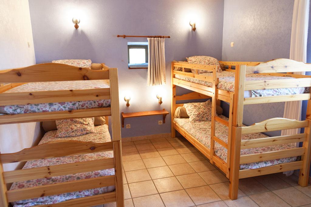 Chambre avec 2 lits superposés (4 couchages)