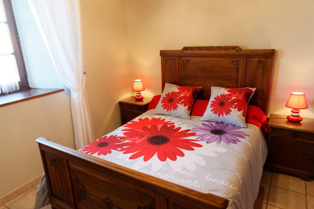 Chambre avec un lit en 140