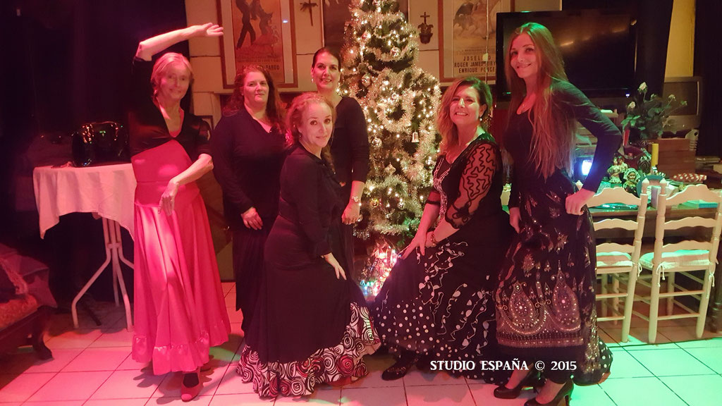 Studio España Flamenco , Patricia Pardo wenst iedereen een Gelukkig Kerstfeest! ¡Feliz Navidad! Vanuit Sittard Geleen Limburg