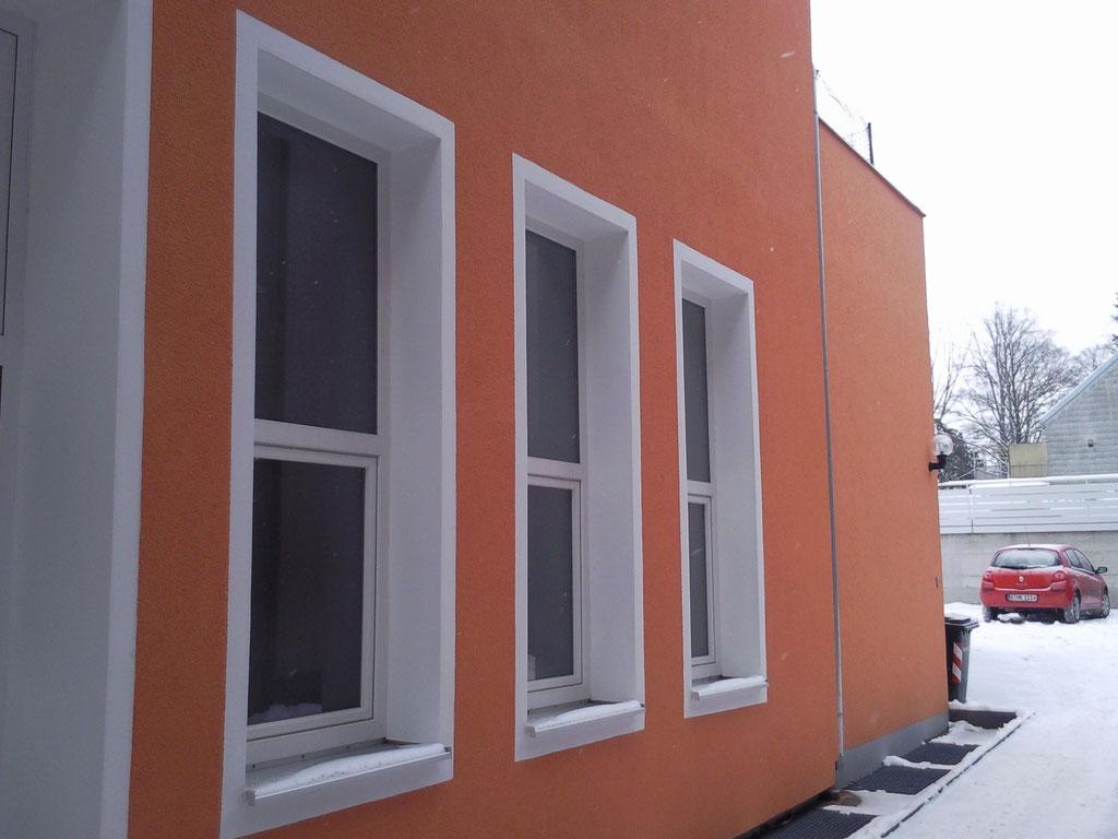 Fenster-Kunststoff weiß unten Kipp