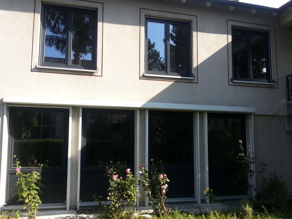 Fenster-Kunststoff anthrazit