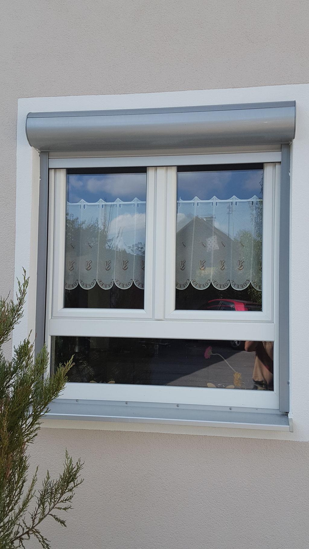 Fenster-Kunststoff unten fix