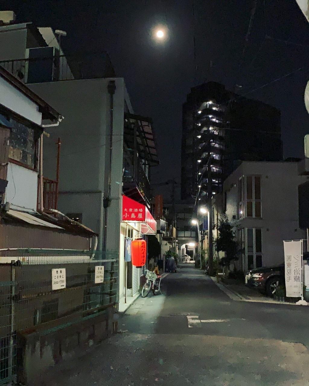 暗渠と月と、元祖ハイボール