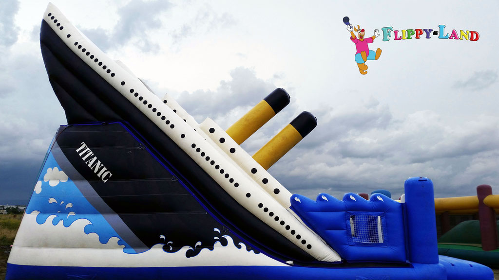 Titanic Riesen Rutsche