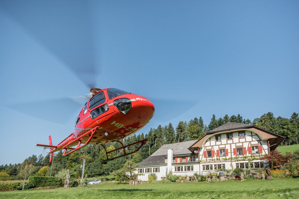 Elite Flights, VIP- Taxiflug, Helikoptertaxi, AS 350 Ecureuil, HB-ZPF