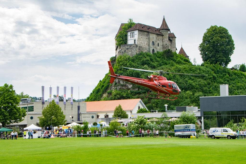 Elite Flights, HB-ZPF, AS350 B2 Ecureuil, Rundflugtage Burgdorf, BUGA 2018, Schloss Burgdorf