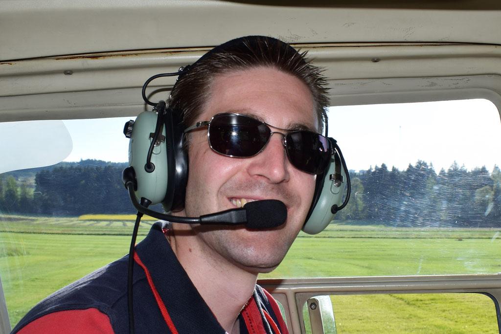Elite Flights, Bell 206 Jet Ranger, HB-XXO, Rundflüge, Helikopterflug Luzern Beromünster
