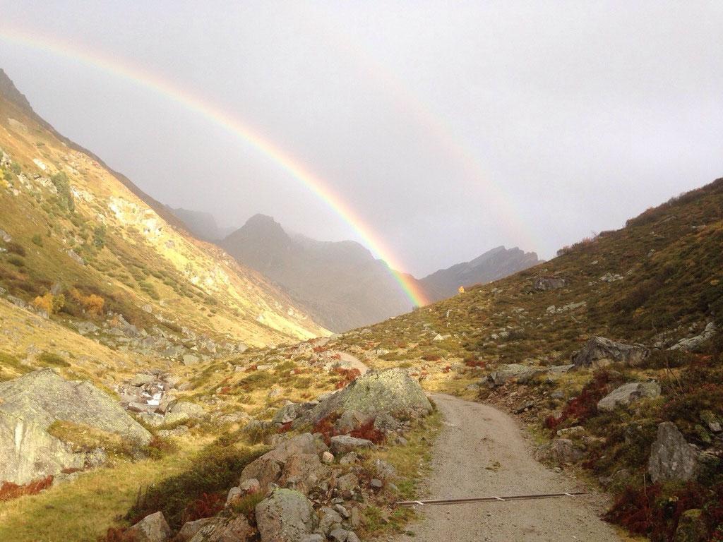 Regenbogen über der Küblischer-Alp
